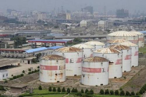 中国战略储备原油因储罐不够滞留海上近两个月