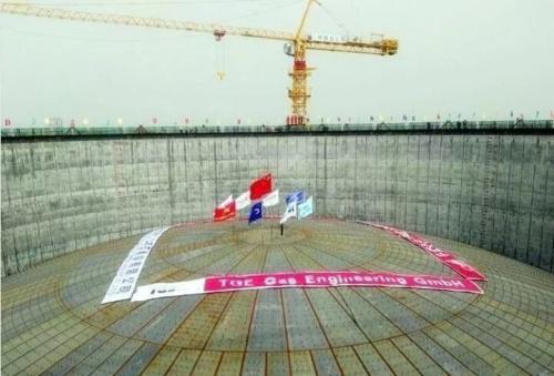 启东广汇16万立方LNG储罐气成功升顶