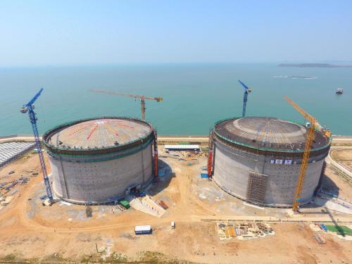 漳州LNG2号储罐成功升顶